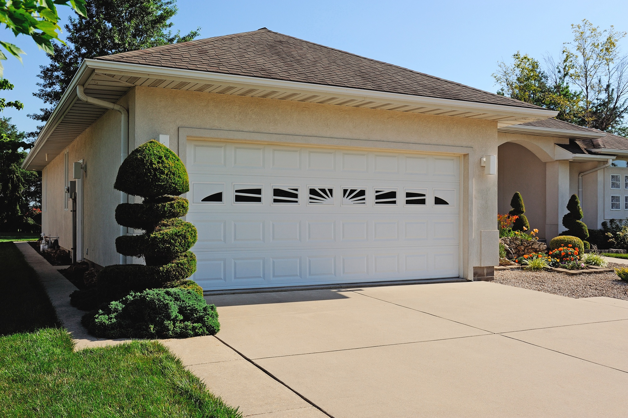 Build your garage door austin garage door solutions triple layer doors the strongest most secure and most soundproof of all garage doors on the market these are also available with thicker insulation rubansaba